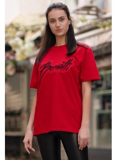 Bernotti 79 Kırmızı Özel Baskı Detaylı Kadın T-Shirt Kırmızı
